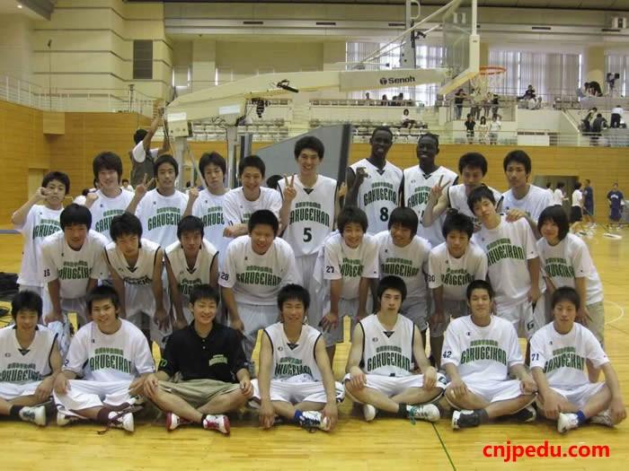 冈山学艺馆高中篮球队员莫里斯-恩多尔