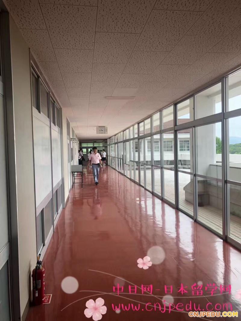 学校走廊1